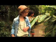 ▶ SUMMER TIME WITH SCOTCH SHRUNK - YouTube Is school out yet? We're counting down for the summer holidays to begin! www.scotch-soda.com