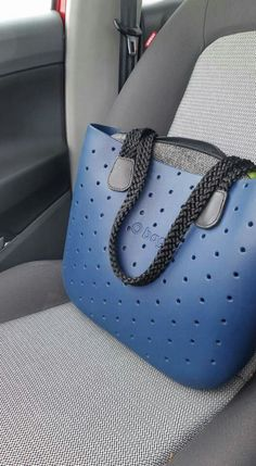 Obag Best Handbags, Hobo Handbags, Purses And Handbags, Sacs Kipling, Fashion Bags, Fashion Shoes, Cute Purses, Tote Bag, My Bags