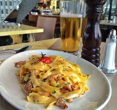 Tagliatelle artesanal - melhor do que muito italiano! - servido com cogumelos locais e béchamel do Glockenbach