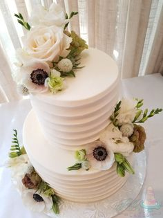 Make a bold yet soft statement with this textured buttercream coupled with stunning floral. Party Time, Cake Recipes, Panna Cotta, Wedding Cakes, Ethnic Recipes, Floral, Desserts, Collection, Ideas