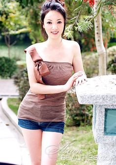 Pictures of beautiful women: Lieying, woman from China