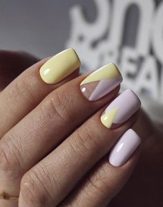 Nail art Christmas - the festive spirit on the nails. Over 70 creative ideas and tutorials - My Nails Yellow Nails Design, Yellow Nail Art, Diy Nails, Cute Nails, Pretty Nails, Gel Nagel Design, Manicure E Pedicure, White Manicure, Manicure Ideas
