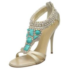 beautiful! shoes | More here: http://mylusciouslife.com/photo-galleries/fashion-on-the-runway-brand-campaigns/
