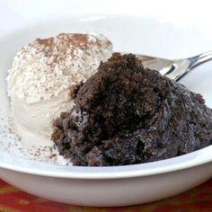 Chocolate Malva Pudding with Vanilla Ice Cream or Custard from Ina Paarman Chocolate Malva, Chocolate Ice Cream, Vanilla Ice Cream, Chocolate Deserts, Chocolate Pudding Recipes, Chocolate Muffins, Malva Pudding, Pudding Ingredients, Love Food