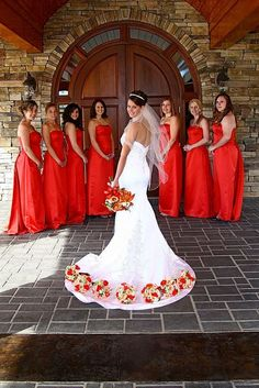 Wedding Photos With Your Bridesmaids  / http://www.deerpearlflowers.com/wedding-photos-with-your-bridesmaids/