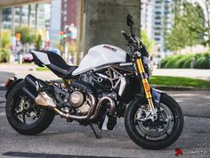 Womens Motorcycle Helmets, Motorcycle Seats, Motorcycle Types, Motorcycle Girls, Ducati Monster 821, Ducati Monster Custom, Ducati Motorcycles, Vintage Motorcycles, Motorcycles