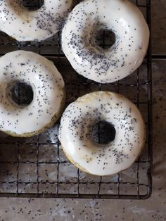 Doughnuts med sitron og valmuefrø
