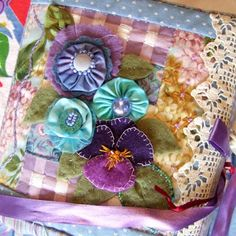 QuiltBee: Linda's Lavender' my handmade needle book and scissors.
