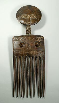 Africa | Comb from the Ashanti people of Ghana | Wood | Mid 1900s.