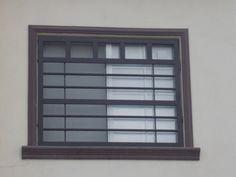Imagen de rejas modernas para ventanas para casa Window Grill Design Modern, Balcony Grill Design, Window Design, Railing Design, Gate Design, Door Design, Iron Gates, Iron Doors, Burglar Bars