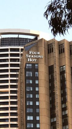 2 letters are missing from the signage at The Four Seasons Hotel Sydney