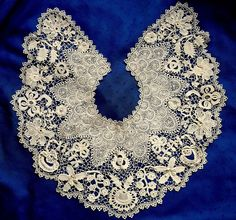 Superb large antique hand made clones irish crochet lace collar~many 3d motifs