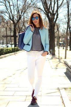http://www.elblogdesilvia.com/2015/04/Streetstyle-koralline-Dandara-Light-Blue-Blog-de-moda.html