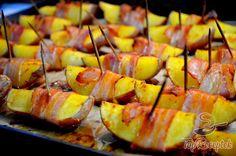 Sült burgonya szalonnaköpenyben   TopReceptek.hu Recipe Collection, Cake Cookies, Pineapple, Recipies, Food And Drink, Healthy Recipes, Meals, Fruit, Life