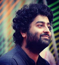 Arijit Singh Famous singer of India which voice were texture soft and sweet to listen it. He were from India. He is a family of Bengali people. He journey started from his Indian idol which he had performed it their. Best Music Artists, Country Music Artists, My Love Song, Music Love, Bollywood Songs, Bollywood Actress, Top Singer, Indian Idol, Song Hindi