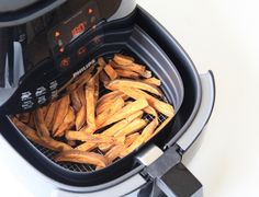 zoete aardappel friet airfryen CHICKSLOVEFOOD Paleo, Keto, Air Fryer Recipes, Japchae, Allrecipes, Healthy Recipes, Healthy Food, Low Carb, Lunch