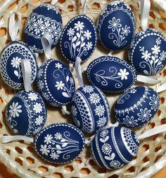 Egg Shell Art, Easter Egg Pattern, Easter Egg Designs, Cute Easter Bunny, Ukrainian Easter Eggs, Egg Basket, Easter Traditions, Egg Art, Easter Crafts For Kids