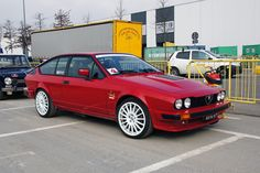 Alfa Romeo's Sports Sedan is a Future Classic: HagertyThe 2017 Alfa Romeo Giulia Quadrifoglio has Alfa Romeo Gtv6, Alfa Romeo Cars, Alfa Romeo Giulia, Alfa Gtv, Alfa Alfa, Gt V, Best Classic Cars, Timeless Classic, Sports Sedan