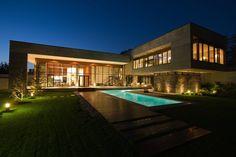 Villa Kiani / Makan Rahmanian + Kamran Heirati