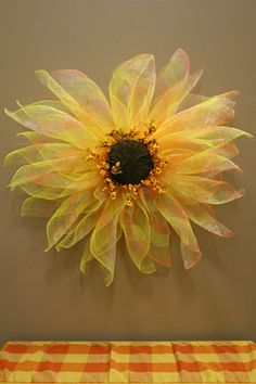 These would be awesome for our late summer window display!-- ddc: I Love it! Summer Crafts, Fall Crafts, Holiday Crafts, Wreath Crafts, Diy Wreath, Deco Mesh Wreaths, Holiday Wreaths, Fabric Flowers, Paper Flowers