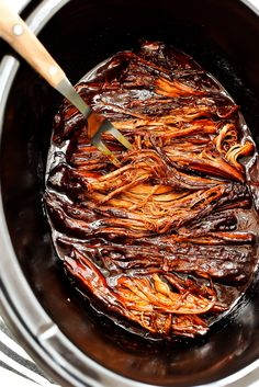 Slow Cooker BBQ Beef Brisket - Life In The Lofthouse Beef Brisket Slow Cooker, Slow Cooker Bacon, Bbq Brisket, Beef Brisket Crock Pot, Slow Cooker Shredded Beef, Slow Cooker Meatloaf, Easy Hanukkah Recipes, Hanukkah Food, Jewish Recipes