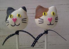 Cute Spotted Cat & Dog Cake Pop | Animal Cake Pops, Cake Pops, Themed Cake Pops | Beautiful Cake Pictures