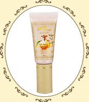 Skinfood Peach Sake Pore BB Cream SPF 25. I want to try this one. The #1 shade looks like it might be a good match.