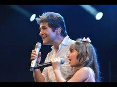 ▶ Giulia e Daniel cantam Nossa Senhora - YouTube