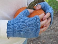 A Little Knit Music Mitts by Julia Blake ¬ malabrigo Worsted in Stone Blue