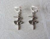 Boucles d'oreille clips danseuse argenté femme enfant : Boucles d'oreille par sylviane-bijoux