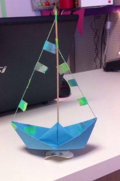 Joli bateau de Damien Carole inspiré du n°30 de Créative Carole, Incense, Container, Diy, Pretty, Children, Bricolage, Diys, Handyman Projects