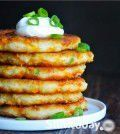 These Pancakes are the Best Way to Use up Leftover Mashed Potatoes ! Appetizer Salads, Appetizers, Pancakes, Waffles, Leftover Mashed Potatoes, Desert Recipes, Potato Recipes, Cheddar, Mozzarella