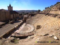 Teatro romano de Medellín situado en las laderas del Castillo. http://extremadurapueblos.es/medellin.php