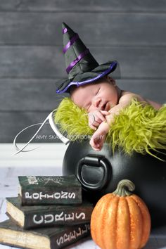 Baby pictures, baby poses, halloween pictures, halloween newborn pictures, newborn. @Nicole Novembrino Christiansen I saw your post about baby pictures today and I thought of you when I saw this! Congrats again :)