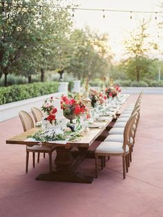 La Tavola Fine Linen Renal: Kenneth Gull Table Runner and Napkins   Photography: Daniel Kim Photography & Charity Maurer Photography, Coordination & Design: Sealed With A Kiss Events, Floral Design: Carte Blanche, Venue: El Chorro, Furniture Rentals: Glamour & Woods