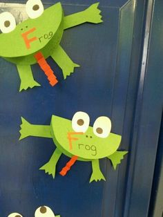 letter F craft-frog.   -Repinned by http://Totetude.com