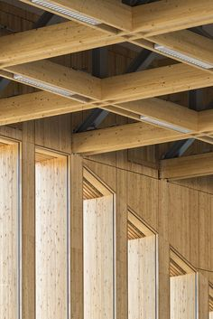 42 ideas for wood structure ceiling architecture Timber Architecture, Timber Buildings, Architecture Details, Ceiling Detail, Ceiling Design, Structure Wood, Curved Wood, Wood Tile Floors, Concrete Wood