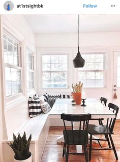 Dream Home Kitchen Nook Design Ideas With Banquette Seating - channing news Laminate Flooring In Banquette Seating In Kitchen, Kitchen Benches, Dining Nook, Dining Room Design, Kitchen Decor, Kitchen Booth Seating, Built In Dining Room Seating, Corner Bench Kitchen Table, Corner Banquette