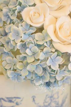 045//ブルー〜グリーン〜ホワイトのグラデーションが美しい紫陽花。美しいグラデーションになるよう拘りお作りしました。