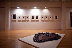 Another World – Eine andere Welt am 1. Dezember 2011 bis 26.Februar 2012 Für die Ausstellung hat Ludwig Seyfarth unter dem Stichwort Postsurreales eine Auswahl an Bildern, Fotografien und Objekten zusammengestellt.  Die ausstellenden Künstler sind: Eric Decastro (F/D, lebt in Frankfurt /M.), William Engelen (NL, lebt in Berlin), Sabine Groß (D, lebt in Berlin), Luzia Hürzeler (CH), Jürgen Klauke (D), Anke Röhrscheid (D), Margret Wibmer (A)  Einführung Prof. Dr. Christian Janecke, HfG