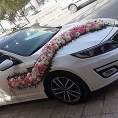 Wedding Car Decoration Ideas With Long Flower Arrangement Wedding Car Decorations, Backdrop Decorations, Flower Decorations, Wedding Cars, Bridal Car, Black Audi, Event Decor, Wedding Designs, Flower Arrangements
