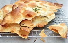 Chrupiąca focaccia - Magiel Kuchenny Bread And Pastries, Apple Pie, Flat Bread, Desserts, Food, Tailgate Desserts, Apple Cobbler, Deserts, Eten