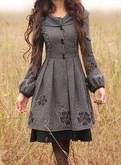Long sleeve trench coat vintage style mantelkleid Love the look Vestidos Vintage, Vintage Dresses, Vintage Outfits, Vintage Fashion, Modern Victorian Fashion, Modern Victorian Dresses, Pretty Outfits, Pretty Dresses, Beautiful Outfits