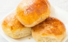 A delicious dinner roll is the perfect accompaniment to the family feast Homemade Rolls, Tapenade, Monkey Bread, Dinner Rolls, Thanksgiving Recipes, Finger Foods, Biscuits, Food And Drink, Cooking