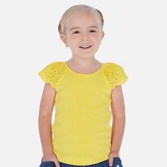 Mayoral mini girl bawełniana bluzeczka z krótkim rękawkiem Lisa, Mens Tops, T Shirt, Model, Outfits, Fashion, Girl Clothing, Sleep Dress, Yellow