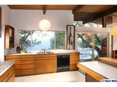 Thanks to the commenter who introduced us to this new listing in La Crescenta, and by extension, to the work of local architect and developer Webster Wiley. Built by Wiley in the. Mid Century Art, Mid Century Decor, Mid Century Furniture, Mid Century Modern Kitchen, Modern Love, Midcentury Modern, Kitchen Cabinets, Windows, Architecture