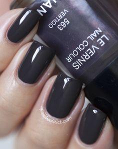 Chanel Vertigo, great color -- but for the price, I prefer NARS Storm Bird Chanel Nail Polish, Cute Nail Polish, Chanel Nails, Cute Nails, Pretty Nails, Diva Nails, Nail Time, Nail Envy, Luxury Nails