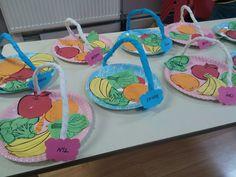 Eating healthy Preschool Activity – Trend Decor for You! Garden Crafts For Kids, Preschool Arts And Crafts, Kindergarten Activities, Activities For Kids, Vegetable Crafts, Fruit Crafts, Food Themes, Toddler Crafts, Art For Kids