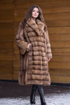 Шуба из меха куницы Sable Fur Coat, Long Fur Coat, Fur Coats, Fur Fashion, Womens Fashion, Western Tops, Fabulous Furs, Latest African Fashion Dresses, Professional Outfits