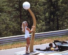 """Check out these great pics of Miss Hurst Golden Shifter, Linda Vaughn. Here is what the guys at The Selvedge Yard had to say """"Linda Vaughn, the lovely, leggy, legend of the auto racing scene from the . Carrera, Linda Vaughn, Hurst Shifter, Vintage Racing, Vintage Cars, Car Girls, Sexy Cars, Drag Racing, Auto Racing"""